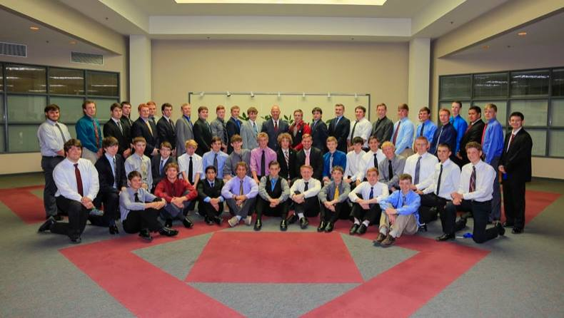 2016 Boys' State delegation with Gov. Mead